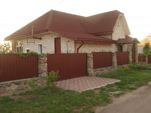 Построенный коттедж в Минске с отделкой