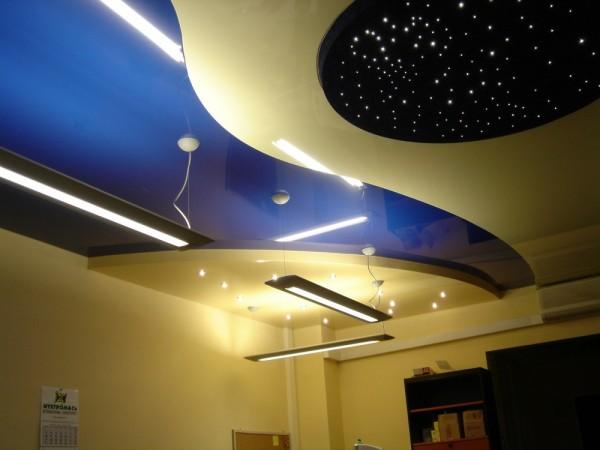 Цена подвесного потолка в гостиной