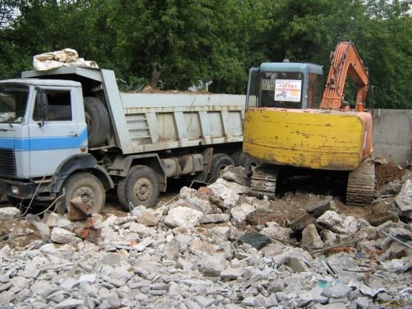 Стоимость демонтажа зданий с вывозом мусора