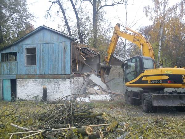 Демонтаж дома в Минске