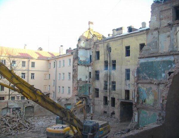 Снос дома с вывозом мусора, строительные компании Минске