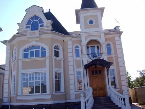 Цены на фасады зданий из натуральных материалов