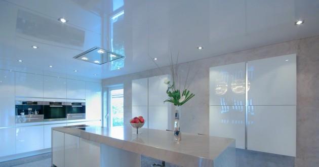 Натяжной потолок в гостиной, стоимость материала и установки