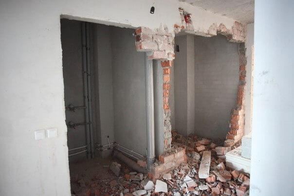 Стоимость демонтажа кирпичных стен в полкирпича