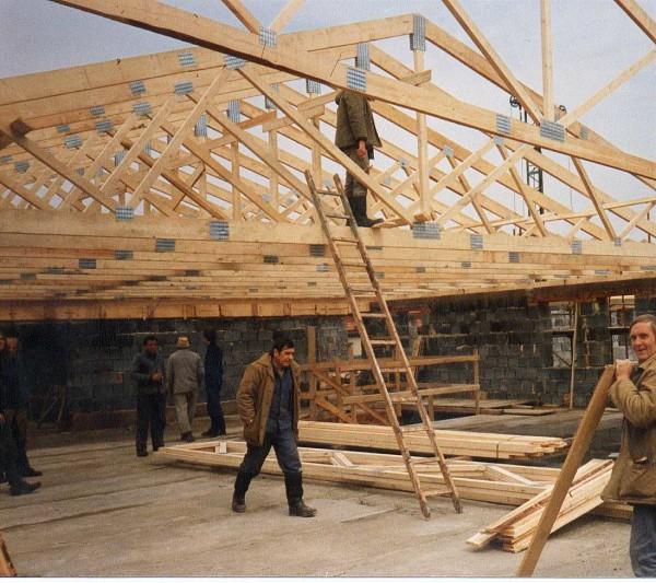 Чердачная крыша, стоимость ремонта или строительства в Минске