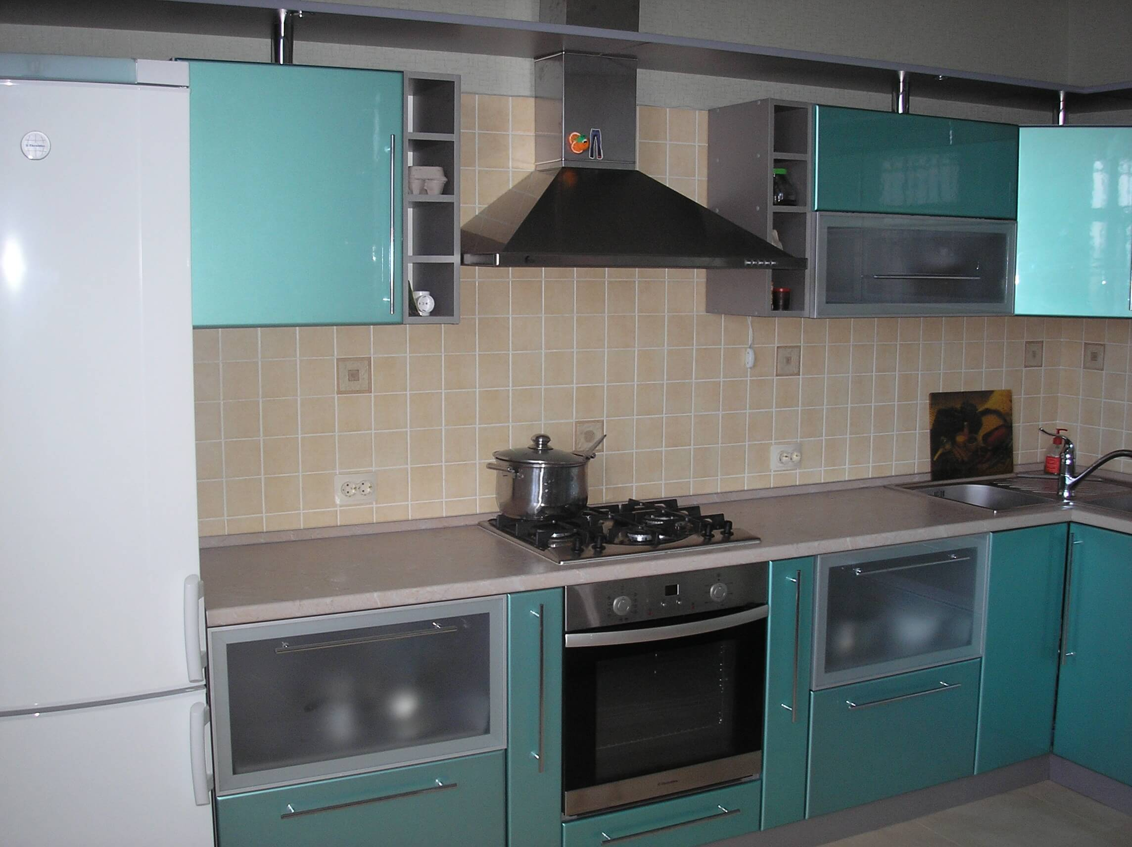Сделать на кухне ремонт