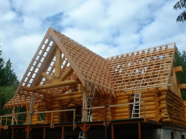 Построить двухскатную крышу цены в Минске