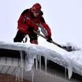 Уборка снега с крыш цена удаления снега в минске