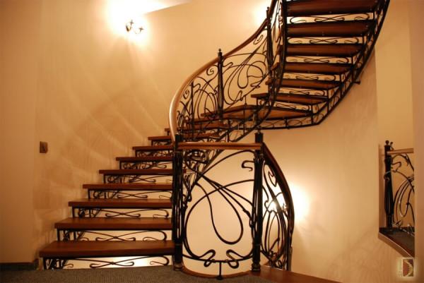Кованные лестницы цена работ