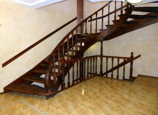 Стоимость изготовления лестниц в Минске
