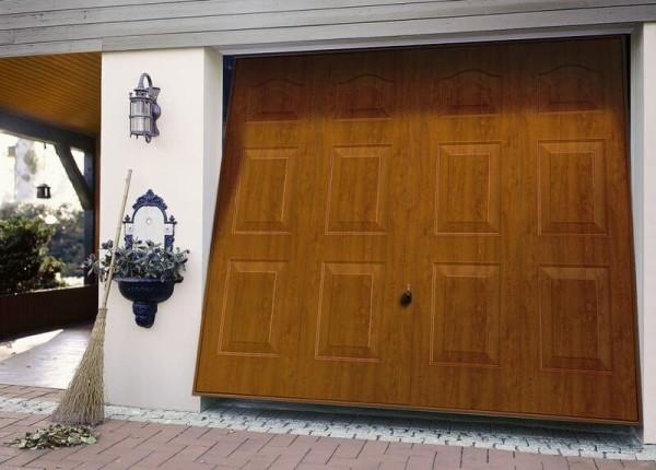 Заказать поставить подъемно-поворотные ворота для гаража в Минске