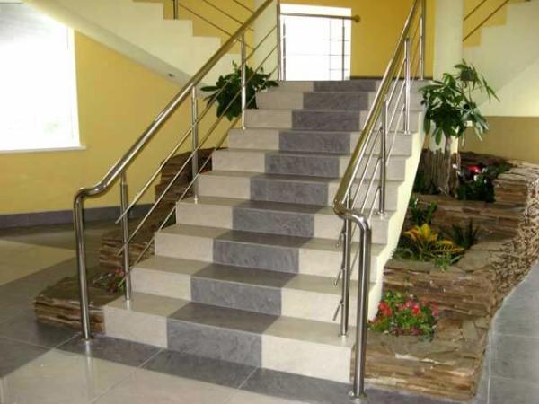 Заказать построить лестницу под ключ в Минске