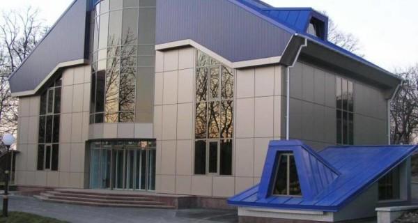 Вентилируемый фасад из композитных панелей в Минске