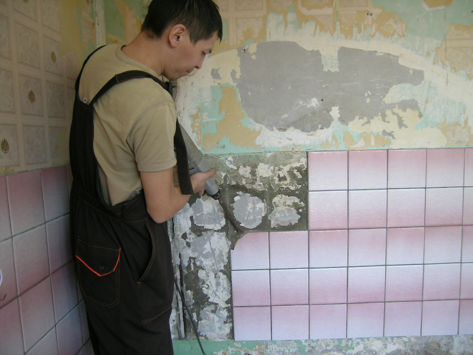 Стоимость демонтажа плитки в Минске