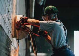 Стоимость демонтажа бетонных перегородок и стен толщиной до 150 мм в Минске