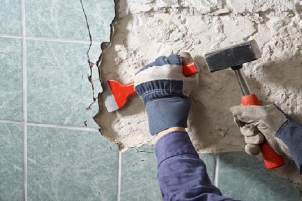 Стоимость демонтажа керамической плитки, цена удаления