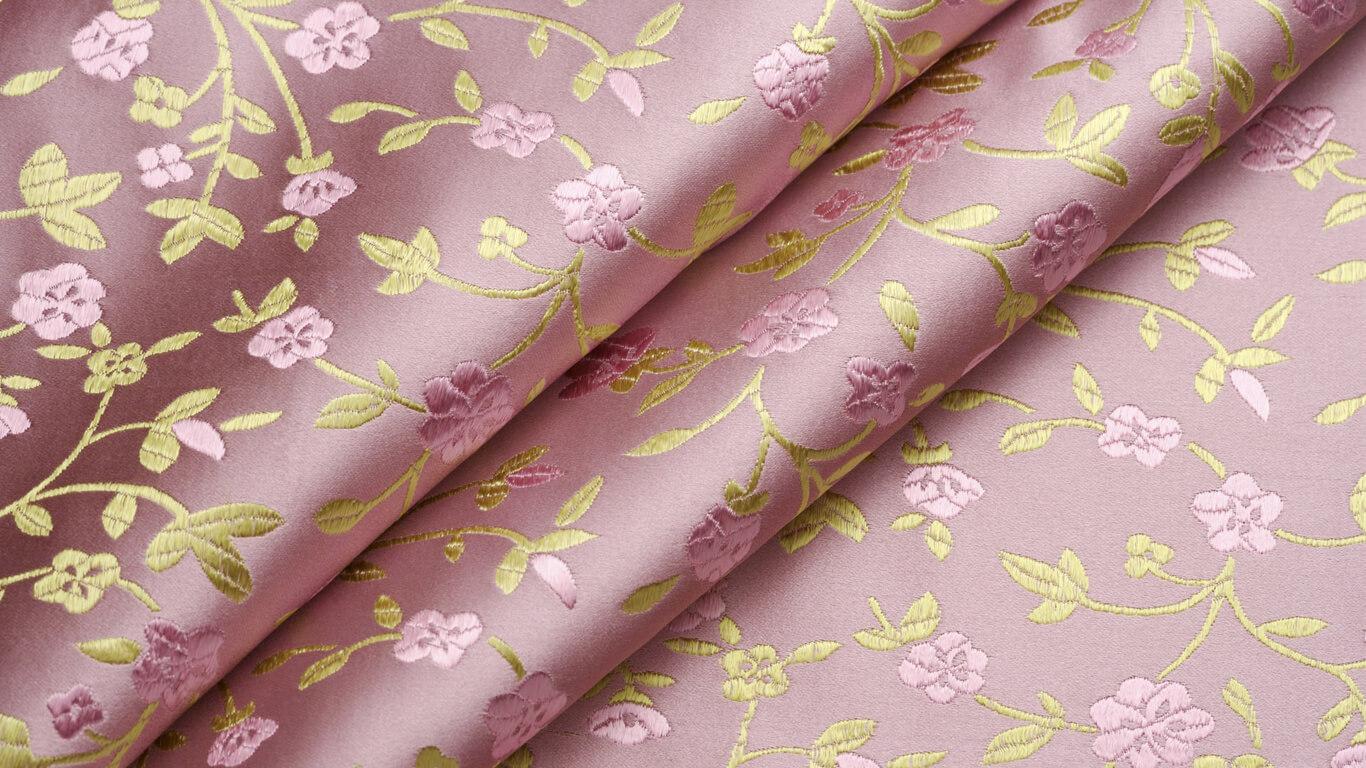 Наклейка текстильных обоев (тканевых) цена